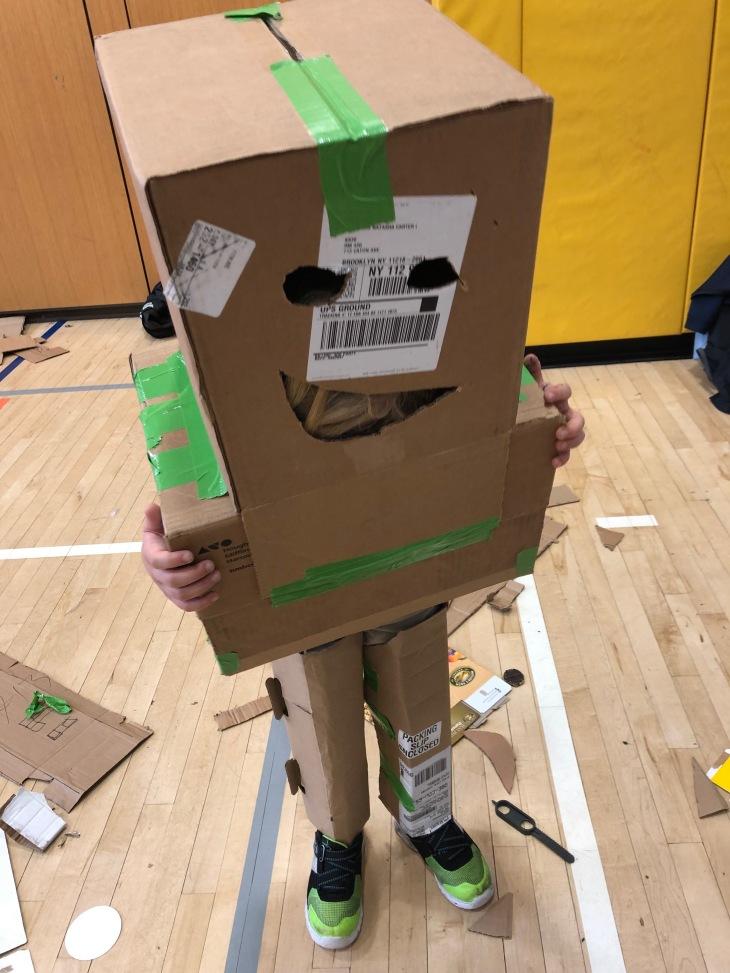 Olivers cardbrd robot